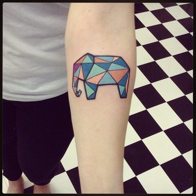 Elephant tattoo: geometry